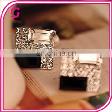 2017 Temperament black and white diamond flash Diamond Earrings for women