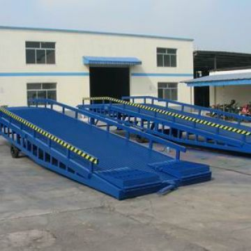 Steel Dock Ramps Standard 1600mm Aluminum Forklift Ramp