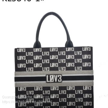 Factory for 15 Years, Specializing in The Development and Production of Women′s Bags and Men′s Bags, Monthly Production of 80, 000 Minimum Orde Only 300pcs KL3846-2#