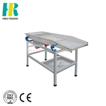 Industrial fruit and vegetable vibrator conveyor