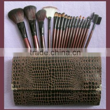 18pcs function Cosmetic makeup Brush Set Kit with Leather Folding Bag recyclable woos handle