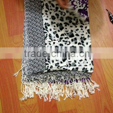 hot selling leopard print acrylic scarf