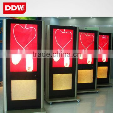 Flexible and pop 47 inch floor stand retail store digital signage player/advertising LCD display DDW-AD4701SN