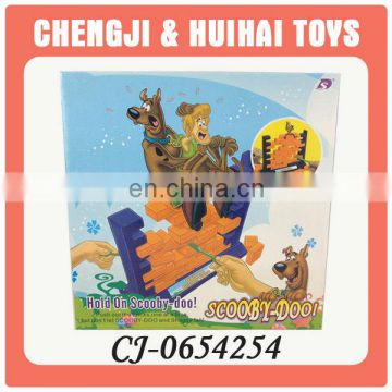 Hot sales push wall plastic intelligent game for kids hold on scooby doo