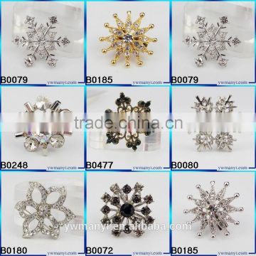 Wholesale Sapphire & Light Sapphire Crystal Rhinestone Snowflake Christmas Brooch Pins & Christmas gift B0478