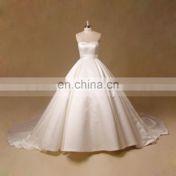 Bridal gown very long tail wedding dress