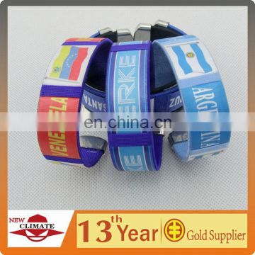 PROMOTION 2014 FOOTBALL SOCCER SILICON CUSTOM WRISTBAND