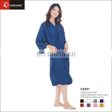 Low cost Crinkle Nylon Teflon Coating Beauty Salon Hairdressing Gowns for sale