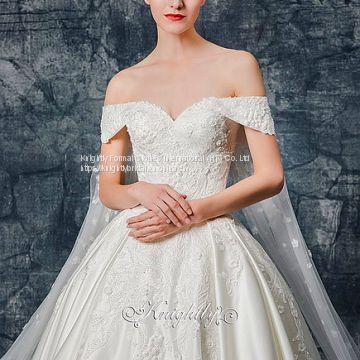 Sweetheart Neckline Lace Applique Satin Wedding Gown