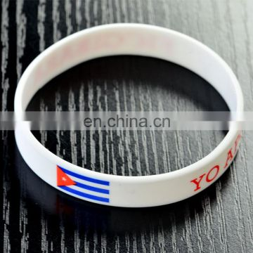 engraving personalized printing logo with colorful silicone bracelets in china