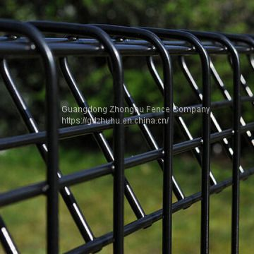 Anti-rust cheap roll top fencing panels black welded wire mesh rabbit proof  garden fence USA