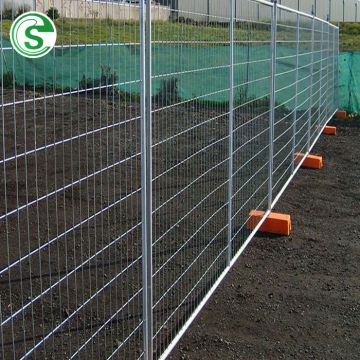 Australia galvanized temporary fence with portable cementing pvc plastic base