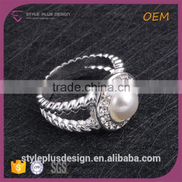 R63229S01 Alloy Jewelry Main Material and Pearl Main Stone Sterling Silver O-ring Lighting Leeds Factory Shop Rings