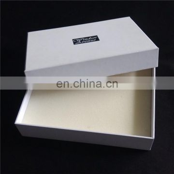 Attention! Easy to make sponge inn to prevent the scratches of the gift surface hat box