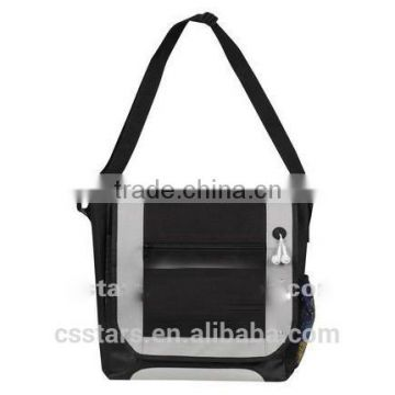 Light gray 600D messenger bag with ipod port