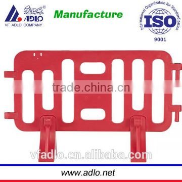 Hot cheap red LLDPE China factory traffic pedestrian removable barrier