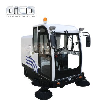 OR-E800LD airport runway sweeper