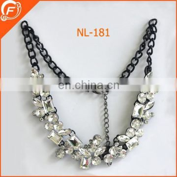 women dressing acrylic beads chain necklace