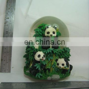 2014 Fashion new design pretty resin crafts best selling panda snow ball
