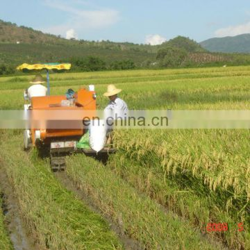 Mini rice and wheat harvester/reaper/swather exporter in China