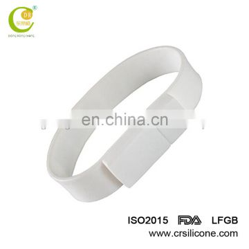 Cheap Customized Advertising Gifts wedding decoration glow in the dark boys bangles and bracelets