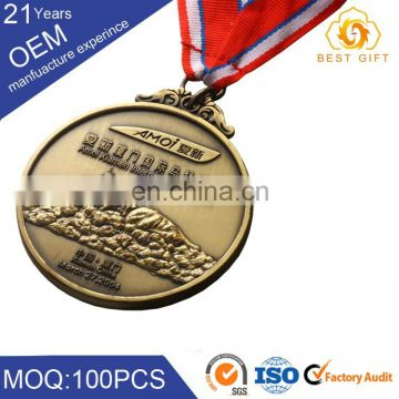 Gold medallion & medal coin badge with special characteristics for maker
