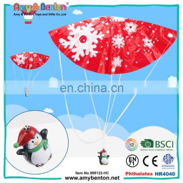 Wholesale lovely small plastic penguin animal with parachute toy
