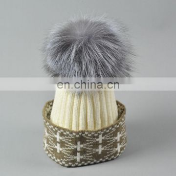 China Supplier Christmas Unisex Knitted Caps With Fox Fur Pompoms Balls Hats