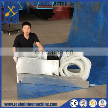 Gold sluice box in gold mining machinery with high efficient sluice box mat