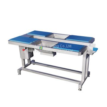 Picking conveyor vegetable trimming table