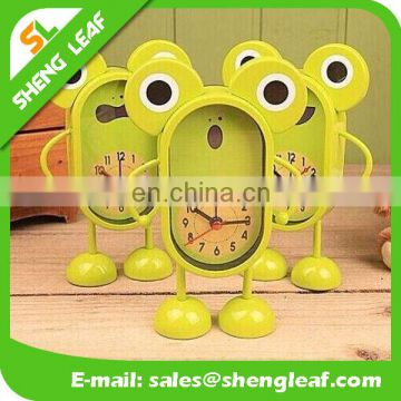 Creative with lovely ringing the bell big eye frog cartoon alarm clock