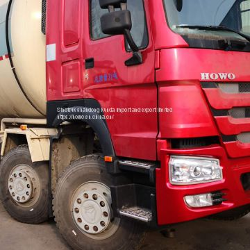 Sinotruk HOWO cement truks in stock truk 45 m3 for sale