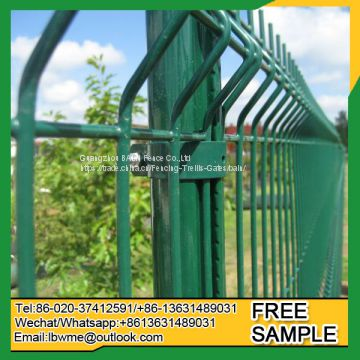 Cheap welded wire mesh fence pvc coated fencing