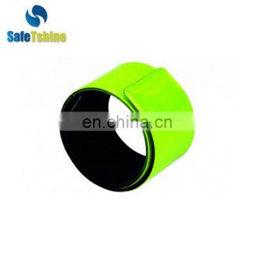 Elastic hand reflective arm band