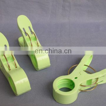 big plastic clip large clothes pegs