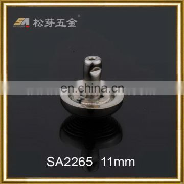 China supplier manufacture exported brass pyramid studs for clothing