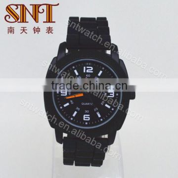 Hot sell quartz wristwatch unisex watch with silicone strap