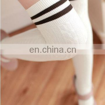 2015 Custom Fashion young women tube socks Professional Factory