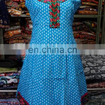Wholesale Indian printed long kurti kurta designer neck embroidery top tunic