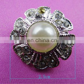 2016 wholesale decorative fashion metal pearl rhinestone brooch