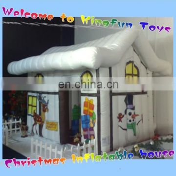 2015 inflatable Christmas house