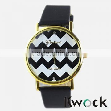 Lady Promotional Fashion Waves Quartz Watch Wristwatches