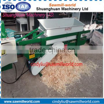 Professional machine to make wood shavings for animal horse bedding