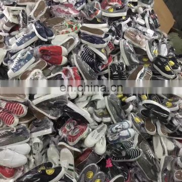 2017 Canvas shoes stock mixed style with very cheap price