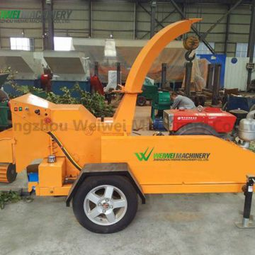 Branch shredder  cutting and crushing machine  wood chipper