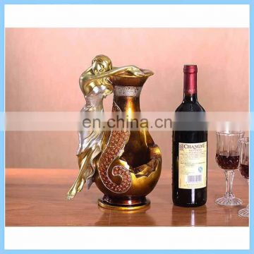 Creative modern minimalist home resin crafts animal bird peacock modeling red wine rack