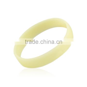 New fashion Glow in the Dark-4X Mixed Color Luminous Elastic Rubber wristband silicone bracelets