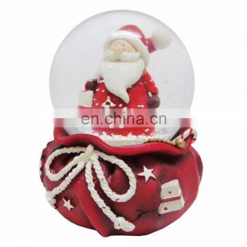 Promotional 2016 new products inside funny resin father christmas snow globe,water globe
