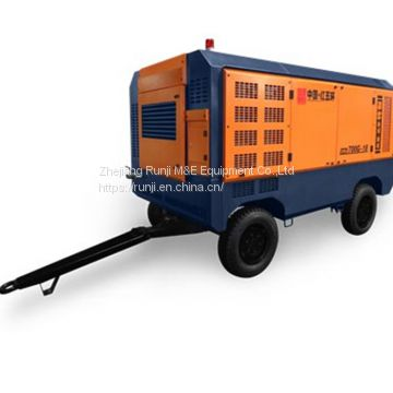 Portable screw air-compressor Single-stage high pressure of XHG700M-18C 18.5m3/min 18bar with Cummins diesel engine compressor