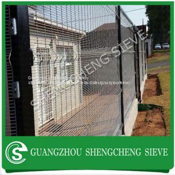 Hot dipped galvanized steel vinyl coated black welded wire mesh ...